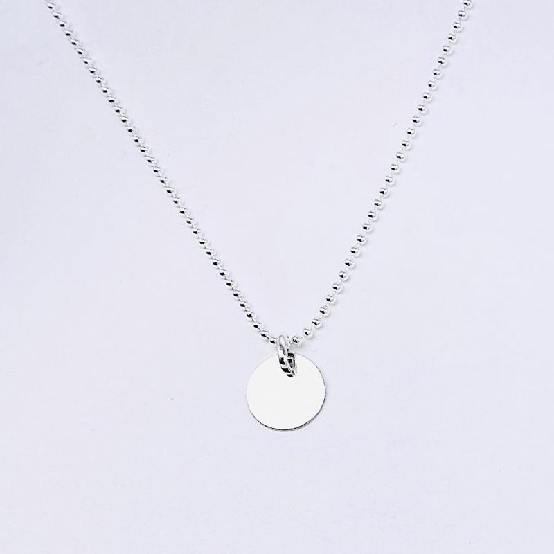 Cadena fina de bolas plata de ley. Medalla pequeña 11MM plata de ley.