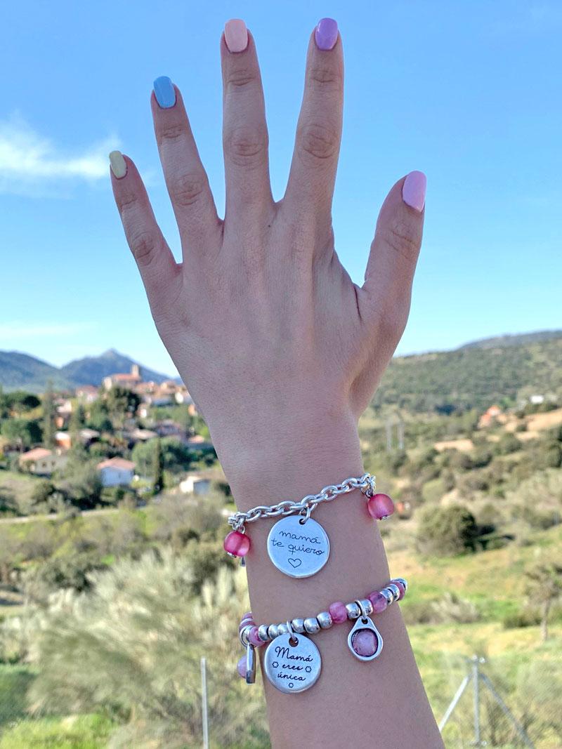 regalos-para-el-día-de-la-madre-2021-pulseras-personalizadas